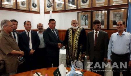Нөкис мәмлекетлик педагогикалық институты делегациясы Пакистанда